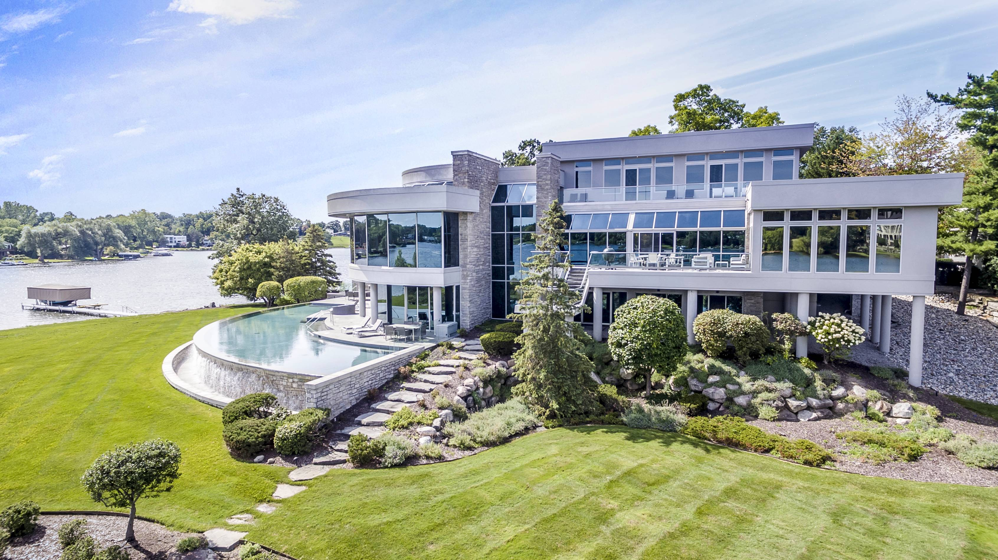 Matthew Stafford's Michigan Mansion For Sale