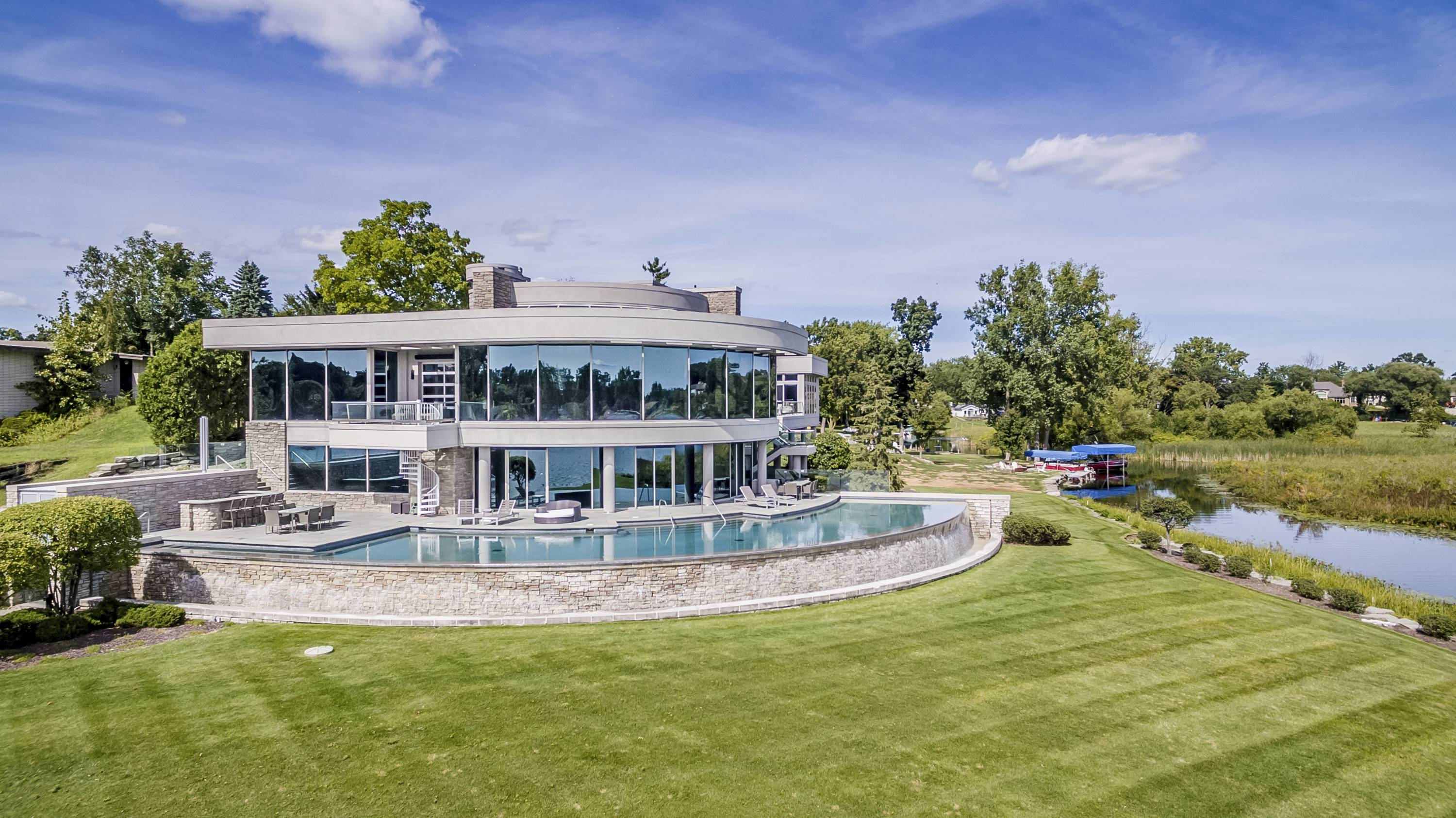 Matthew Stafford's Michigan Mansion, front exterior