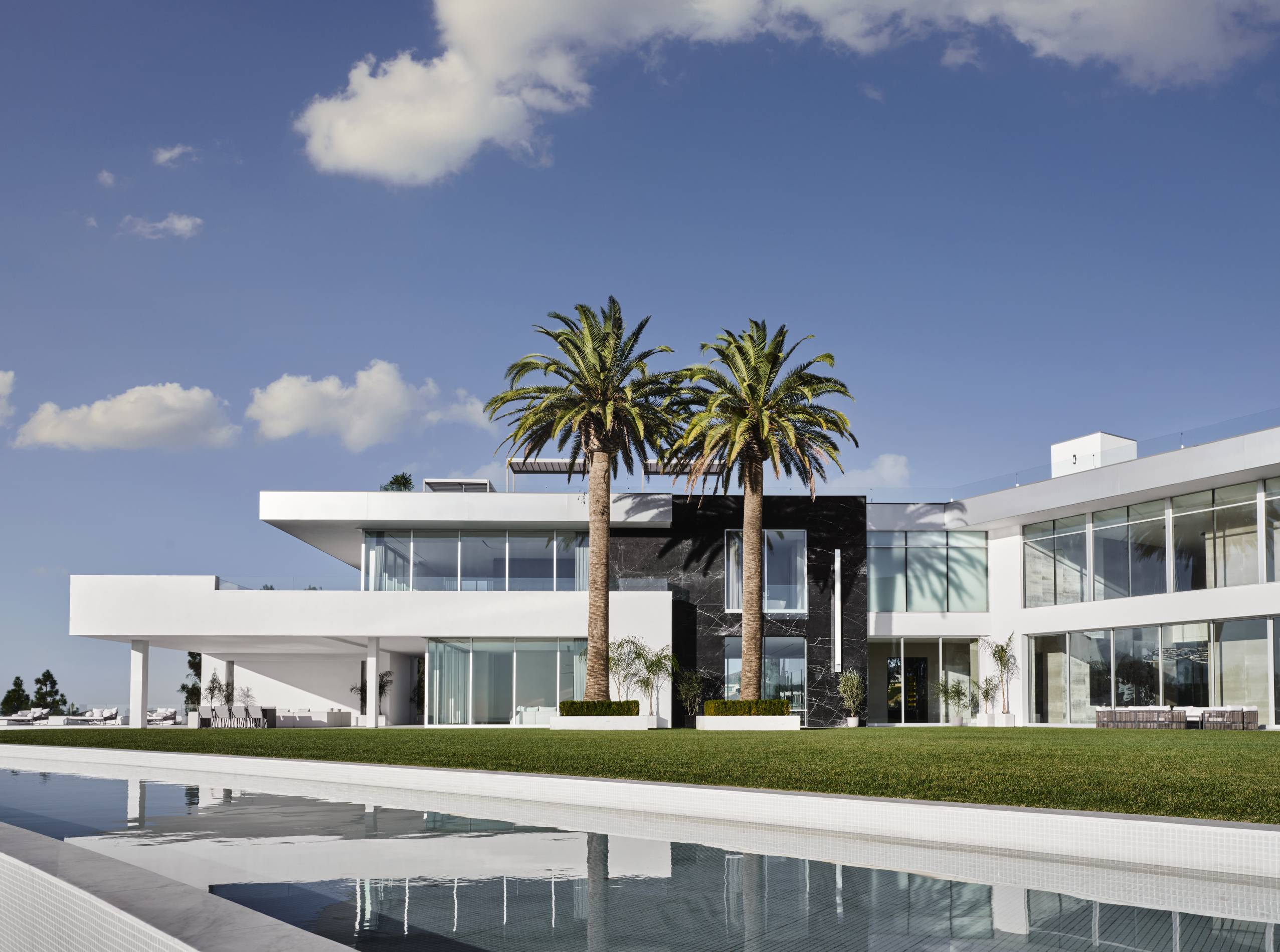 """The One"" mega-mansion in Los Angeles"
